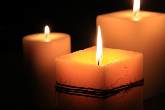 candles-1323090_1280.jpg